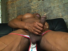 Hung black shemale superstar Natalia Coxxx
